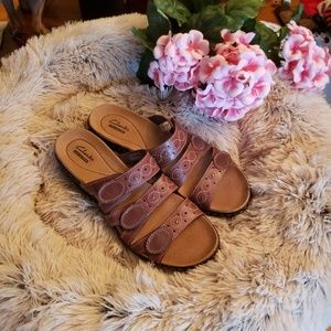 NWT Clarks Brown Leisa Cacti Sandals